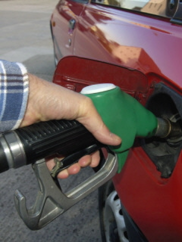Cameron hints at rural fuel discount